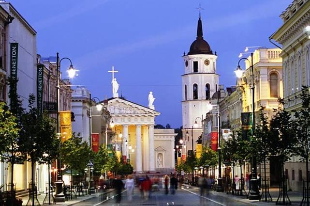 В 2013 году туристы в Литве потратили 4,2 млрд. литов