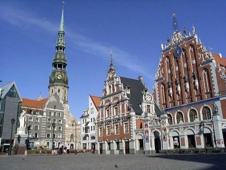 Минэкономики Латвии: принимать решение о ВНЖ нужно без эмоций