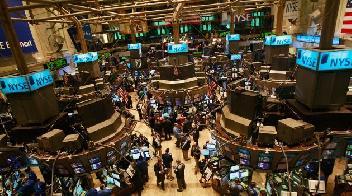 Lūkesčius pranokę bendrovių rezultatai kelia akcijų kainas Vakarų Europoje